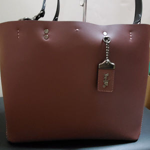 Coach 1941 Rogue Tote 26886 Bordeaux Red